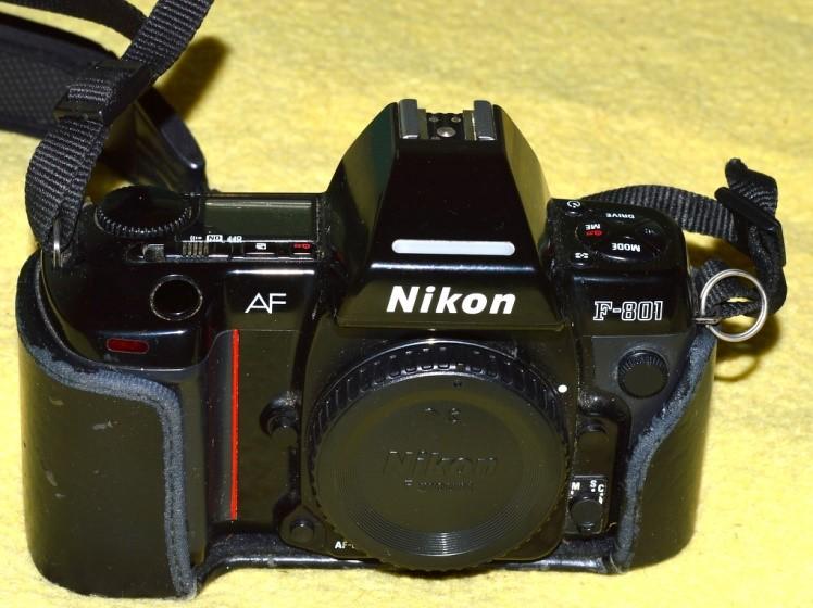 Cámara analógica NIKON F801
