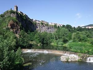 Acantilado basáltico (Castellfollit de la Roca)